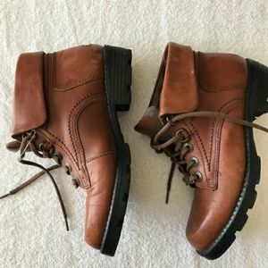 LEATHER EARTH BOOTS SIZE 6.5 VILLAGE 3